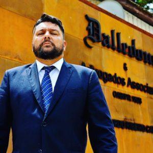 Em aula exclusiva, Dalledone fala sobre grandes casos do Tribunal do Júri para jovens advogados