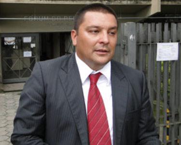 Dalledone diz que abandonou a defesa do goleiro Bruno Fernandes