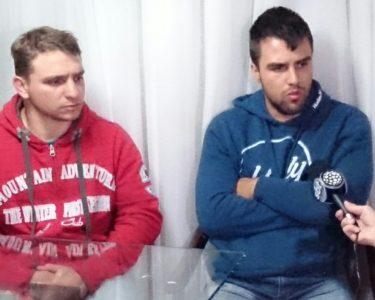 Policiais militares acusados de participarem de chacina falam à imprensa